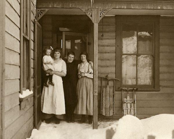 5 king Baxter sisters 1920