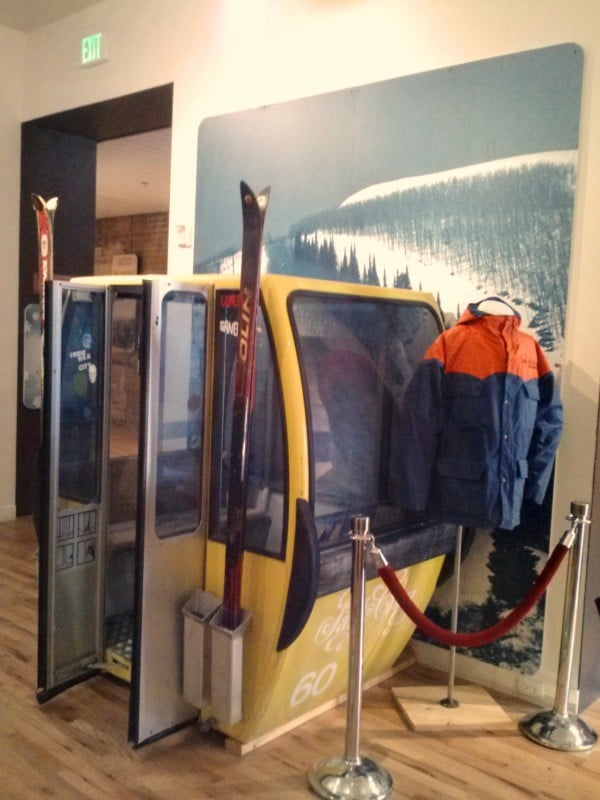 Gondola display