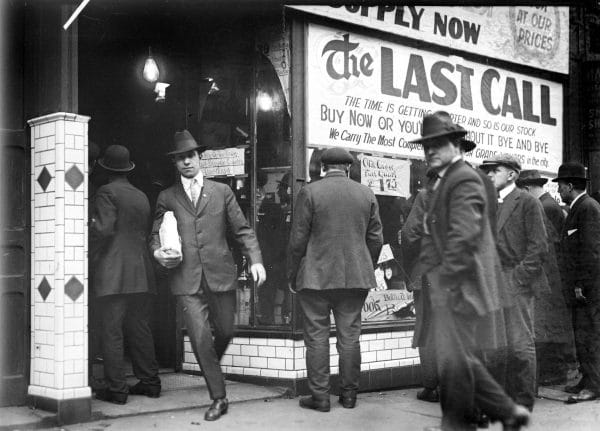 Prohibition, Detroit, 1919, black-and-white photograph, courtesy Walter P. Reuther Library, Wayne State University