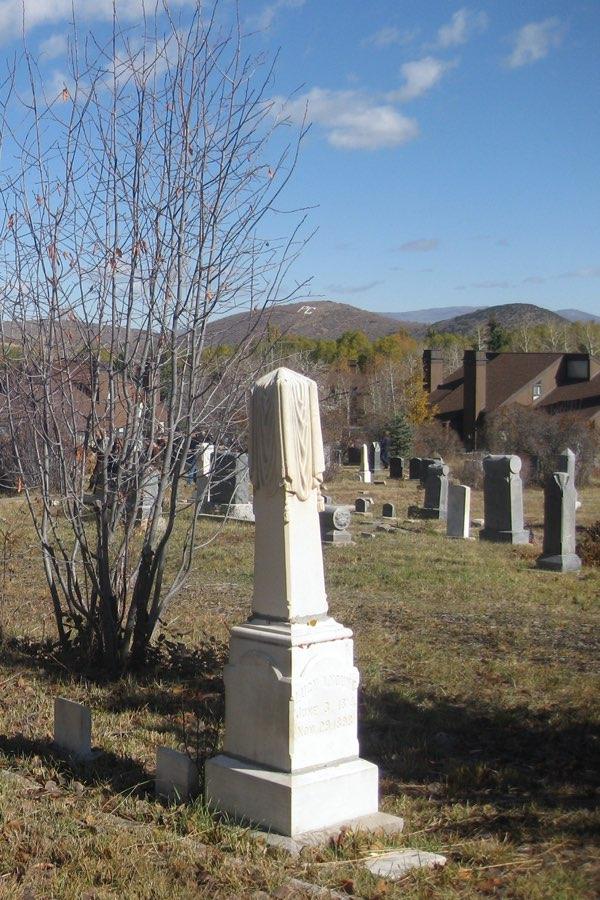 Glenwood-Cemetery_headstones-2
