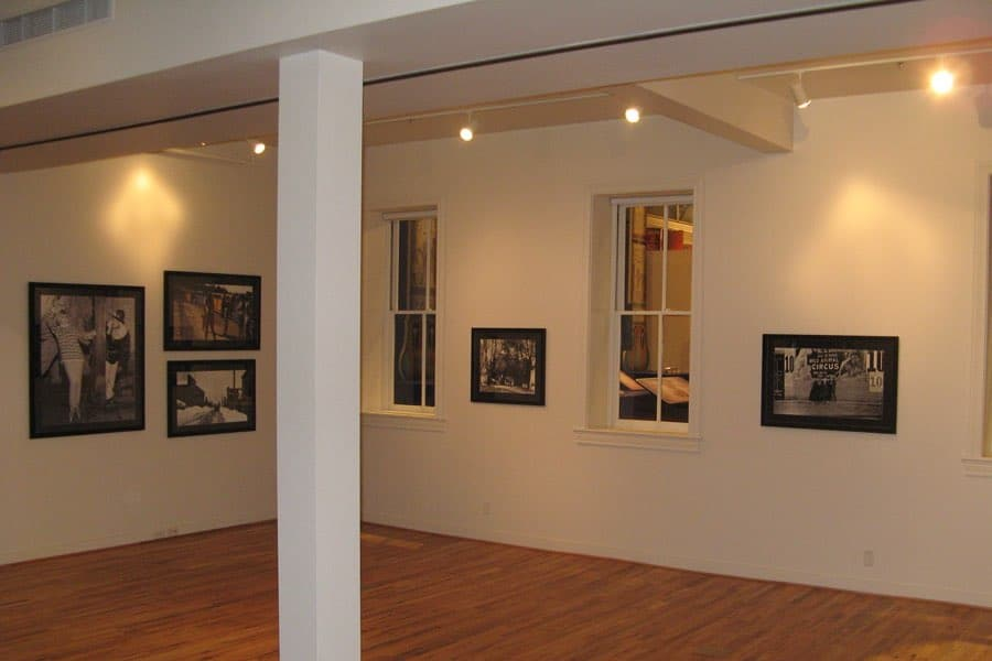 Tozer-Gallery_Exhibits-900x600